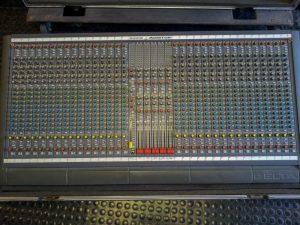 Console Soundcraft Delta Monitor Image
